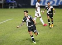 Com dois gols de Cano, Vasco supera São Paulo em São Januário