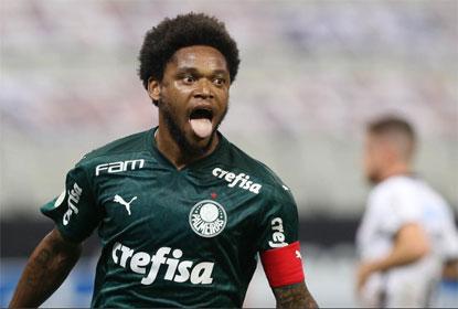 Palmeiras aproveita expulsões, vence o Corinthians e aumenta crise no rival