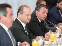 Bolsonaro prorroga auxílio emergencial e fixa novas parcelas em R$ 300. Foto: Marcos Correa/PR