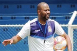 Técnico do Azulão comemora vitória na estreia e zagueiro, 1º gol