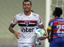Com dois a mais, São Paulo arranca empate em Fortaleza na Copa do Brasil