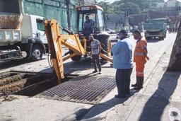Manutenção objetiva prevenir alagamentos com as chuvas de verão. Foto: Divulgação/Semasa
