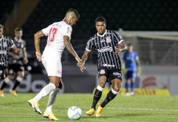 Corinthians não faz gols há mais de 330 minutos, mas Coelho vê evolução