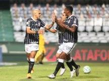 Em jogo fraco, Corinthians derrota o Coritiba e abre distância do rebaixamento