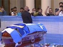 Corpo de Maradona é enterrado em cemitério na periferia de Buenos Aires