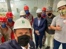 Doria visitou a fábrica, que terá capacidade para produzir 100 milhões de doses ao ano. Foto: Governo do Estado de SP