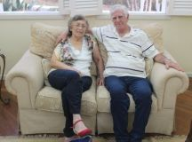 Com mais de 75 anos de energia e disposição, Deusdedit e Maria Helena transformam a monografia em projeto para comunidade. Foto: Rafael Rodrigues/Uninter Juiz de Fora