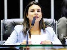 """Mariana: """"outras vacinas devem contar com apoio do governo"""". Foto: Câmara dos Deputados"""
