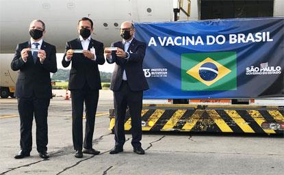 """Doria: """"agora já temos 1 milhão e 120 mil doses da vacina em solo brasileiro para salvar vidas"""". Foto: Governo do Estado de SP"""