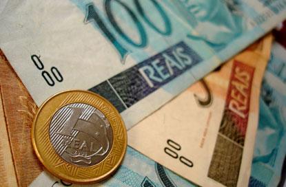 Sem ganho real, salário mínimo sobe para R$ 1.100