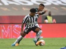 Apagado, Marinho é eleito melhor da Libertadores, chora e pede desculpas