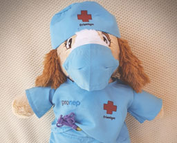 Pequeno pacientes recebem bichinhos personalizados com sua condição de saúde. Foto: Divulgação