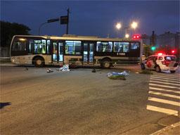Acidente ocorreu na Avenida Guido Aliberti com a Rua Maximiliano Lorenzini.. Foto enviada por um leitor