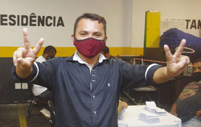 """Cláudio Bernardo: """"vamos iniciar, a partir da posse, uma campanha de sindicalização"""". Foto: Reprodução/Facebook TV Sâo Bernardo"""