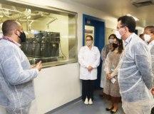 Prefeitos do ABC visitaram nesta quarta-feira a sede da empresa Inovat, do Grupo União Química. Foto: Helber Aggio/PSA