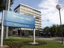 Mercedes paralisará produção na sexta, e retorno terá revezamento de trabalhadores