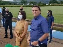 Bolsonaro reúne apoiadores e diz que críticos estão 'esticando a corda'. Foto: Reprodução Facebook