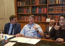 Em live, Bolsonaro promete mais 60 milhões de doses de vacina até abril. Foto: Arquivo/Reprodução Facebook