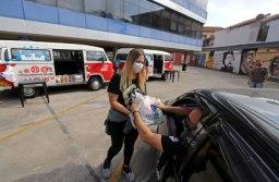 Metalúrgicos fazem 'Drive-Thru Solidário' para arrecadar alimentos