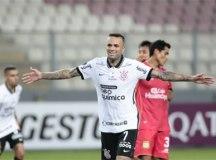 Luan volta a brilhar e Corinthians vence a primeira na Sul-Americana