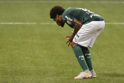 Palmeiras perde para o CRB nos pênaltis e está eliminado da Copa do Brasil