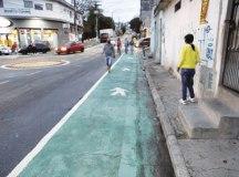 Secretaria de Transportes implantou faixas verdes na Av. Tietê, no Taboão, para aumentar o espaço das calçadas e melhorar a mobilidade. Foto: Divulgação/PMD