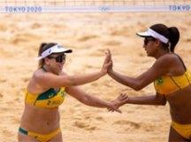 Ana Patrícia e Rebecca estreiam com vitória no vôlei de praia em Tóquio