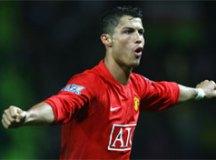De volta após 12 anos, Cristiano Ronaldo assina contrato com o Manchester United