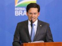 Prorrogação do auxílio 'está na mesa', diz ministro