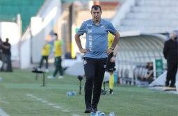 Carille busca reduzir pressão e recuperar confiança do elenco do Santos