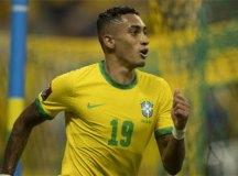 Autor de dois gols, Raphinha admite ter realizado sonho de criança em Manaus
