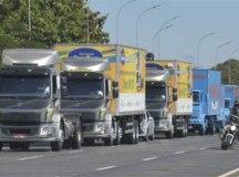 Caminhoneiros marcam greve, mas governo vê ameaça vazia