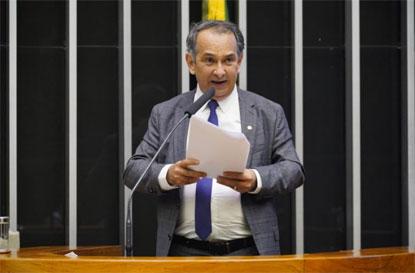 Câmara aprova proposta que muda cobrança de ICMS sobre combustíveis