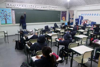 Prefeitos deliberaram pela retomada obrigatória às aulas presenciais a partir de segunda-feira. Foto: Helber Aggio/PSA