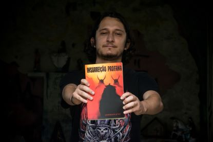 Obra é estreia de Anderson Juno no formato romance, após publicação de contos em antologias. Foto: Edu Guimarães
