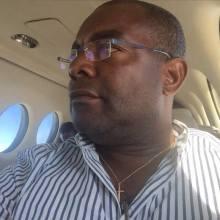 Pergentino Mba Nguema en el Jet Privado de Candido Nsue Okomo