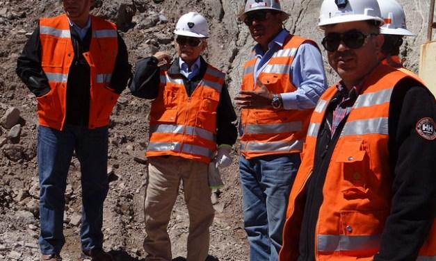 Con maquinas y viveres, Codelco apoyará a zonas afectadas del norte