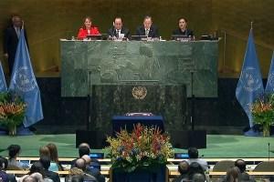 Imagen de la Asamblea General de la ONU en la ceremonia de firma del Acuerdo de Paris, 22 de abril de 2016. Captura de video UN TV
