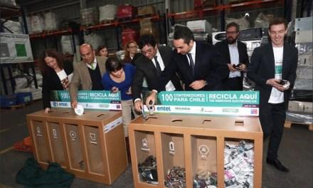 """Dan inicio a campaña de reciclaje de desechos electrónicos """"100 contenedores para Chile"""""""