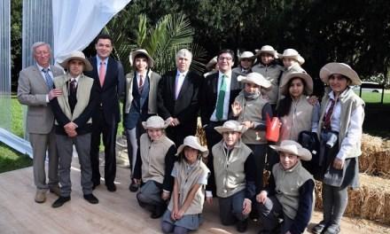 Ministro de Agricultura da inicio al proyecto de restauracion ambiental más importante de la zona central