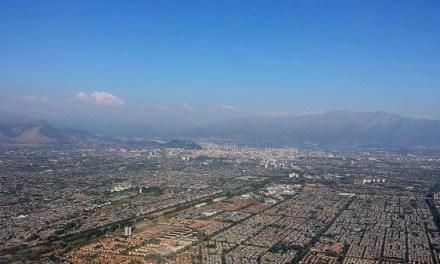Informe revela que concentración de material particulado en Santiago: aumentó un 50% en agosto con respecto a 2015