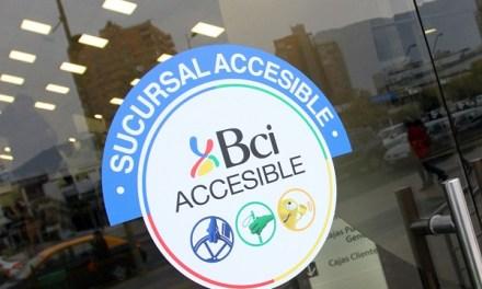 Bci inaugura en Castro innovadora sucursal para personas con discapacidad