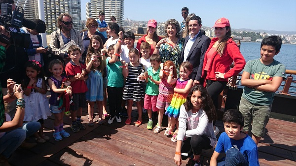 Mcdonald's distribuirá 5 mil pulseras de seguridad para evitar extravío de niños en las playas de viña de mar