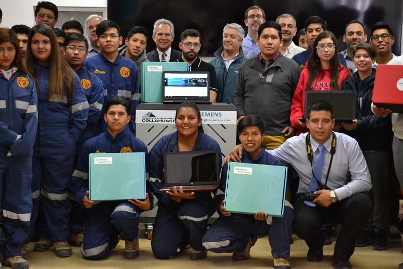 Siemens y Fundación Educacional Collahuasi entregan equipos informáticos para especialidad industrial de Liceo de Pica