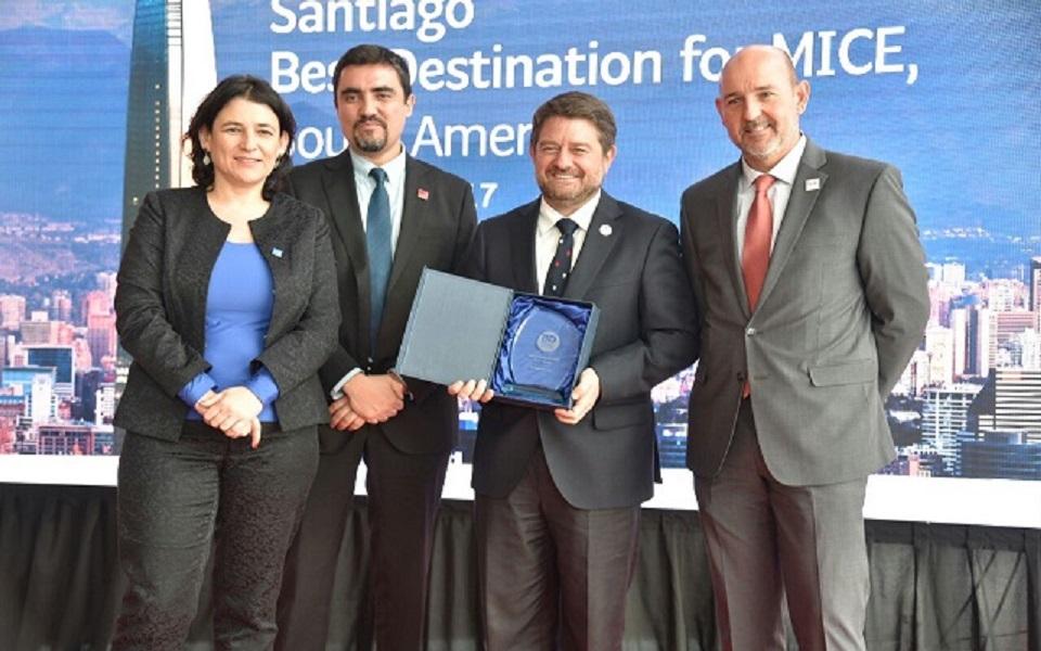 Premian a Santiago como Mejor Destino del Turismo de Negocios 2017 de Sudamérica