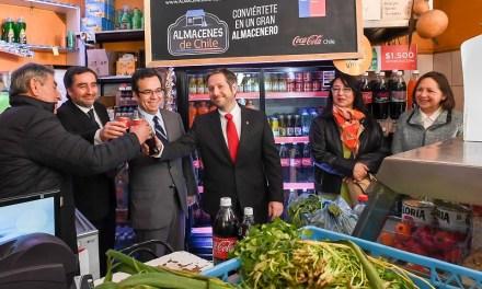 Ministerio de Economía y Coca-Cola podrán capacitar a más de 100 mil almaceneros en todo Chile