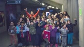Seguros SURA premia a alumnos del Colegio José María Caro con visita a Disney On Ice