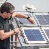 """Paneles solares de """"dos caras"""" generan 25% más de energía según estudio"""