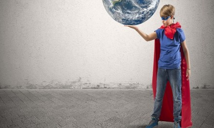 Líderes de Singularity invitan a jóvenes a cambiar el mundo durante encuentro en Fundación Mustakis