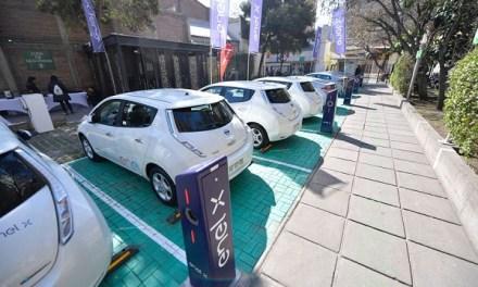 """EnelX inaugura """"Green Parking"""", estacionamiento con más de 20 puntos de carga simultáneos"""
